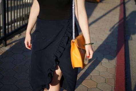 Yellow Handbag Woman www. InstantFashionMix.com A